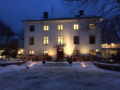 Idylliskt vinterbröllop med underhållning av magiker Hans Lindström