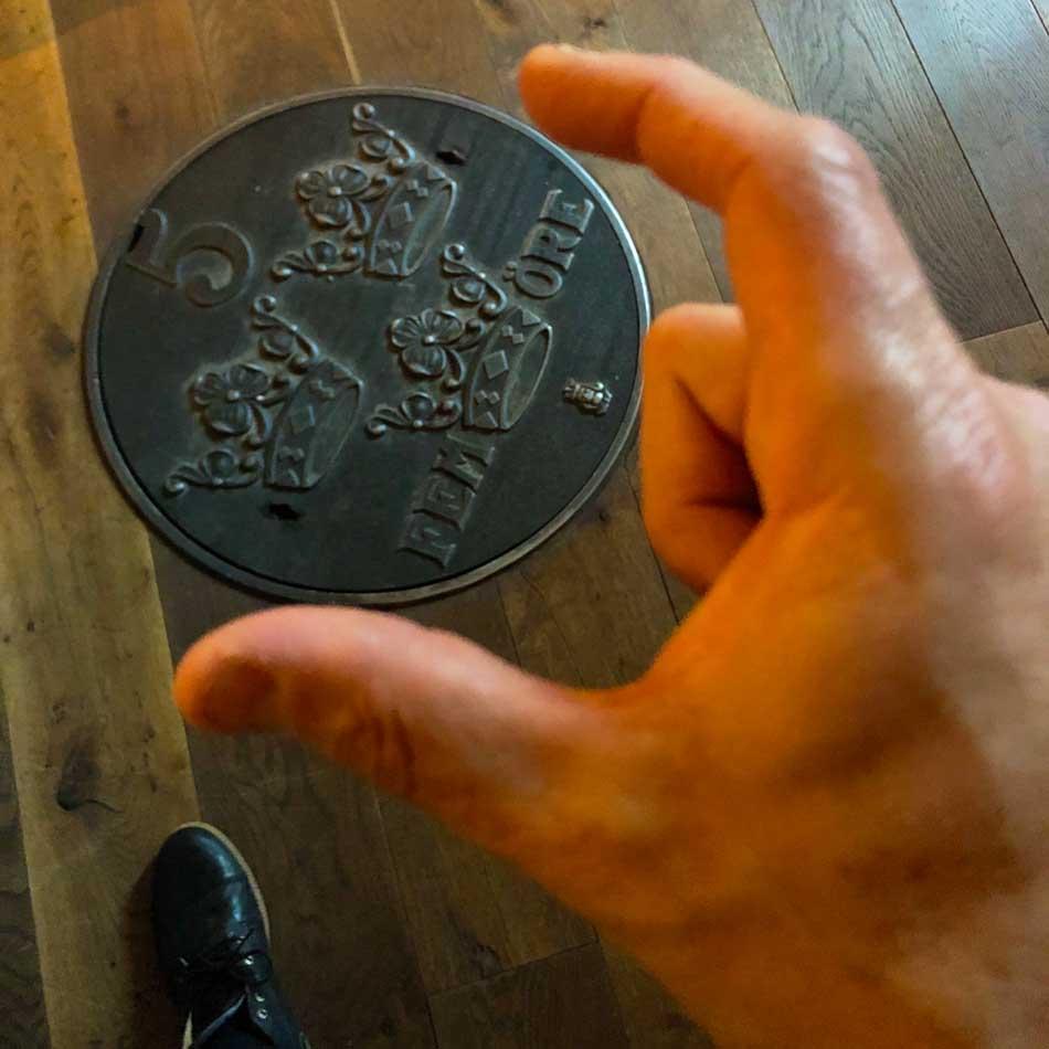 magiskt stort mynt